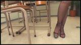 女教師のパンストに発情しちゃった僕 ミニスカでナイロン越しのパンチラ誘惑に辛抱たまらず最後の1滴まで絞り取られました/